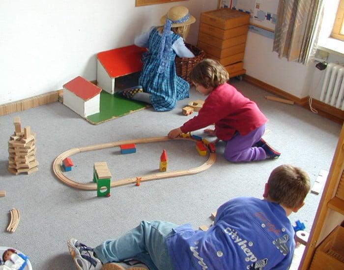 Spielen stellt bei Kindern einen Hauptinhalt ihres Lebens dar